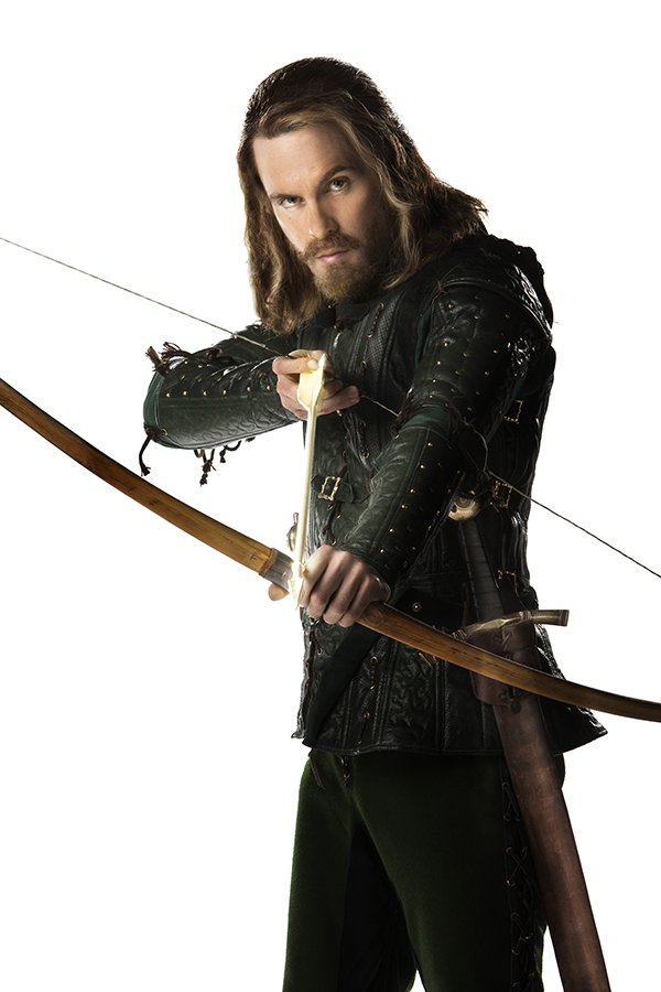 photo of Tom Riley as Robin Hood loading the golden arrow into his bow from the Doctor Who episode Robot of Sherwood