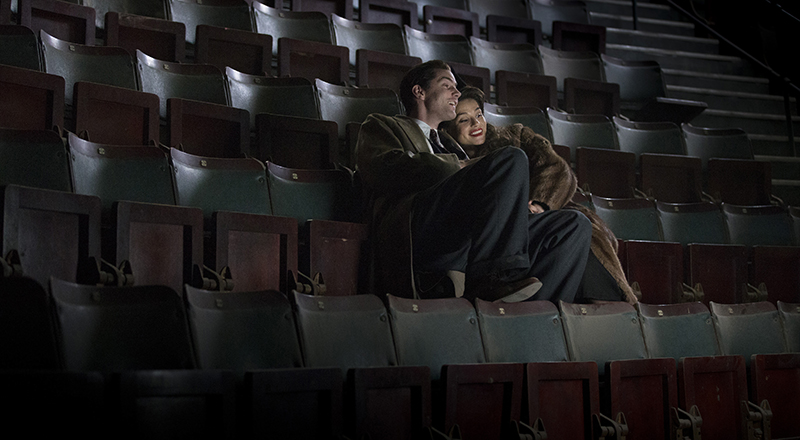 Callum Furguson (Jim Sturgess) & Rachel Lombard (Charlotte Riley) in cinema