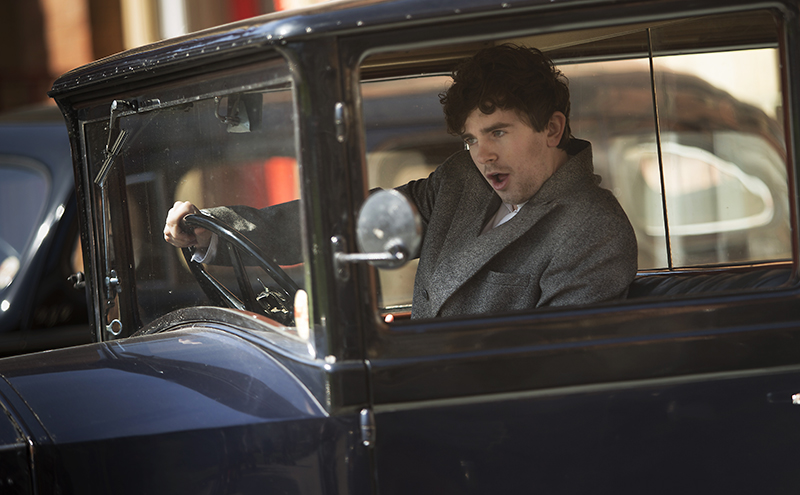 Victor Ferguson (Freddie Highmore) in car